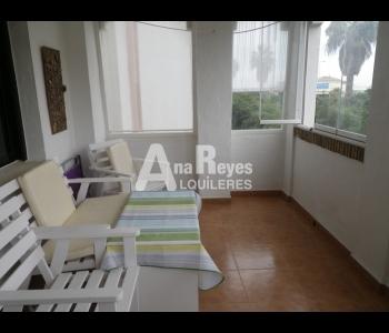 Alquiler de cómodo apartamento de 2 dormitorios en Zahara de los Atunes