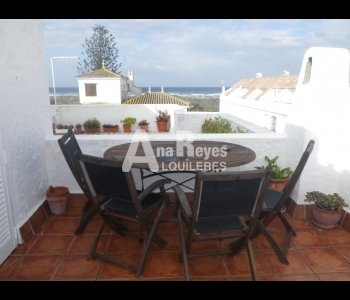 Casa adosada de 2 plantas con vistas al mar en Zahara de los Atunes