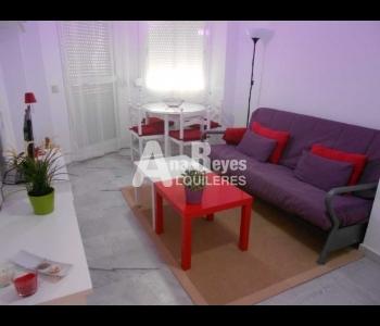 Alquiler de bonito apartamento de 1 dormitorio en el pueblo de Zahara de los Atunes